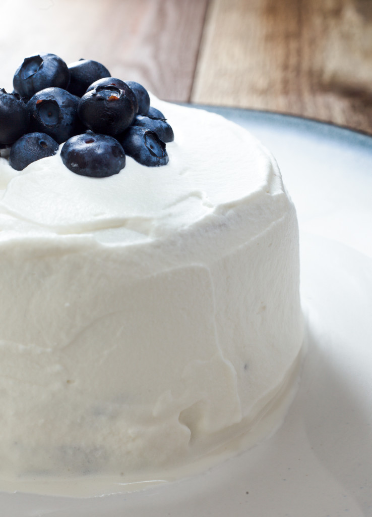 Baby-Smash-Cake-with-Blueberries-