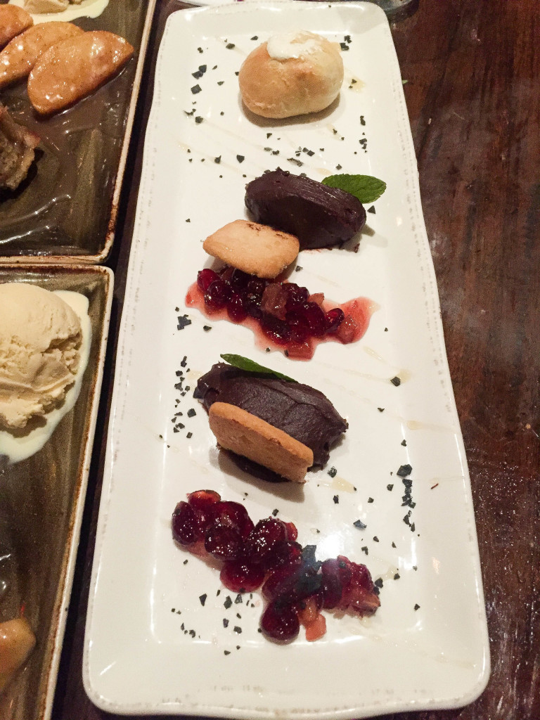 Dessert platter with the biscuits